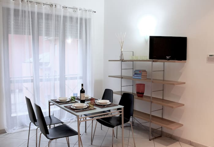 Crissi Home - Flat very close to the stat downtown - Alba - Appartement