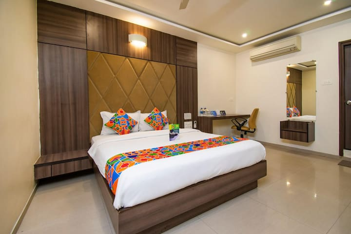 Exotic Executive Palace Near Ahmedabad Junction Railway Station