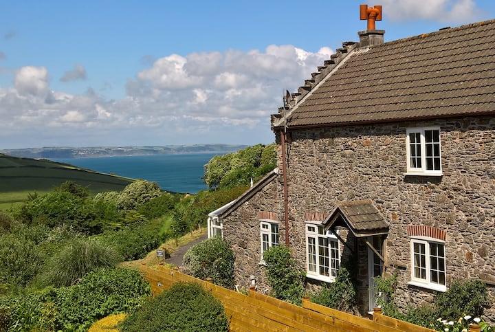 Wisteria Cottage South Devon sea views sleeps 6