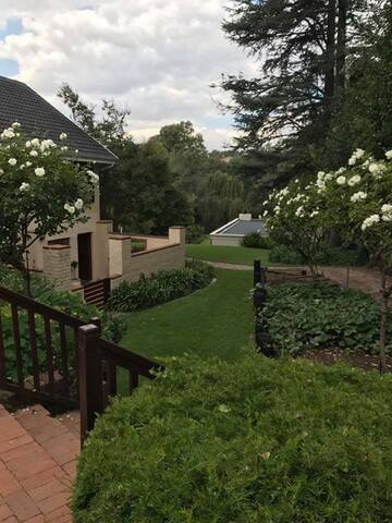 Riverfront Rivonia House in the heart of Sandton