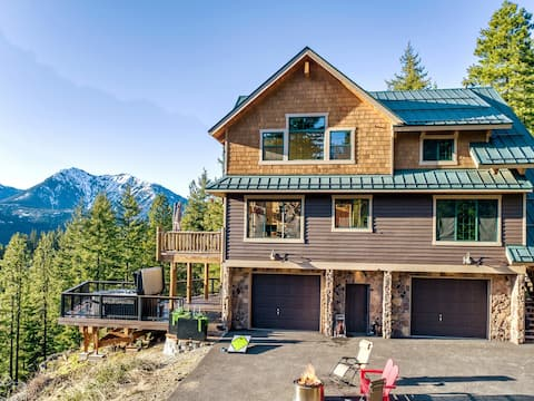 Secret Pines Lookout: WOW VIEWS + Privacy+ Hot Tub