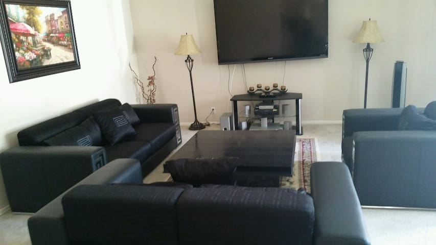 Cozy Apartment Close to All - Los Angeles - Huoneisto