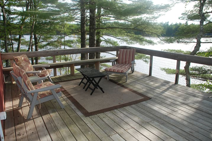 Cottage on 9 mile long Toddy Pond - Orland - Stuga
