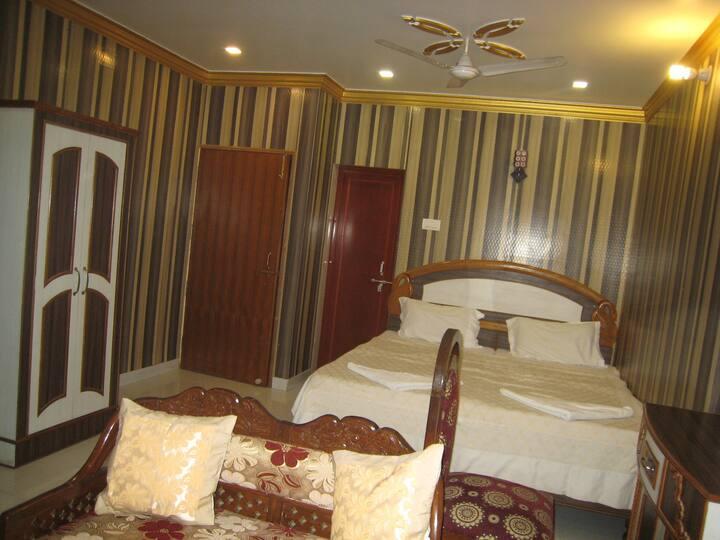 Deluxe Double OR Twin Room in Kedareswar B&B.
