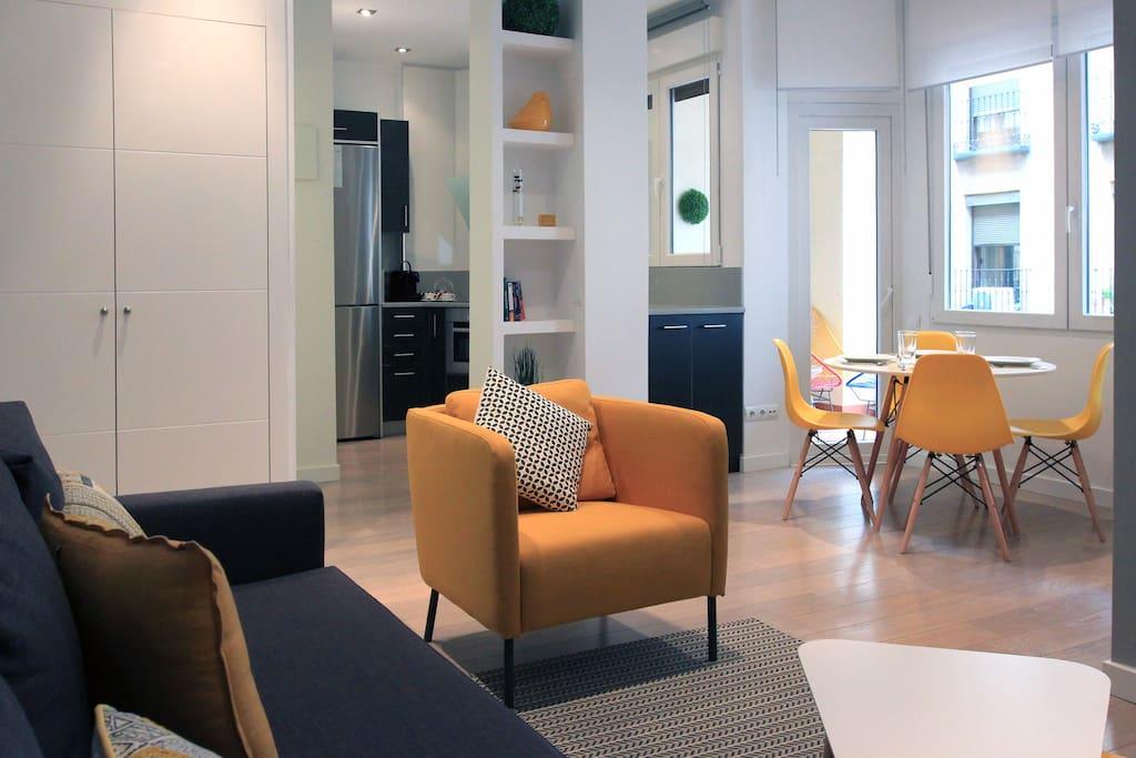 Amplio y Luminoso salon / Spacious and bright living room