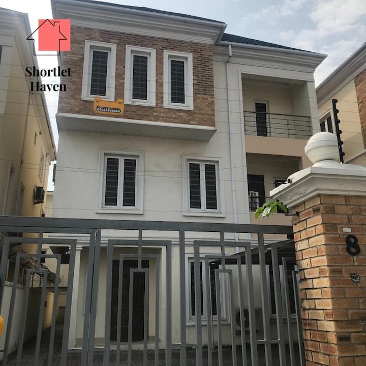 Jaden's Court - 4 bedroom fully detached Duplex