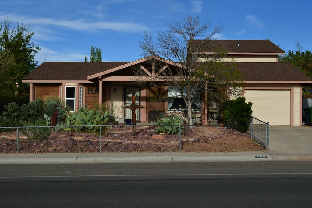 Lake powell peace house vacation homes for rent in page for Powell homes