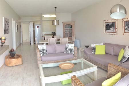 Beautiful seafront apartment 50m from the sea. - Swakopmund - Apartment
