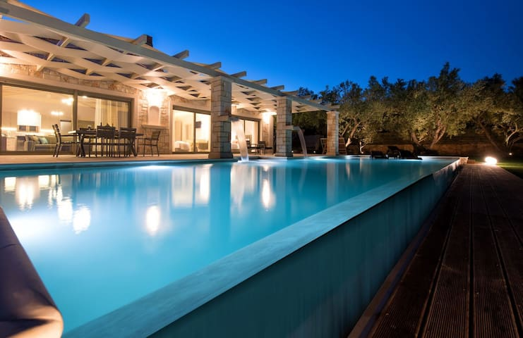 Artina Luxurious Villa - Keri - Villa