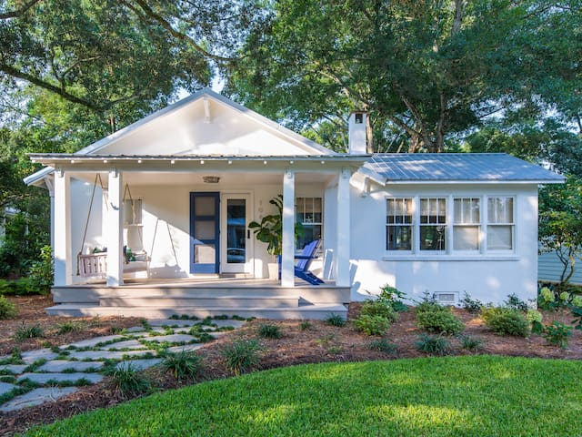 Contemporary Cottage in Fairhope near Mobile Bay
