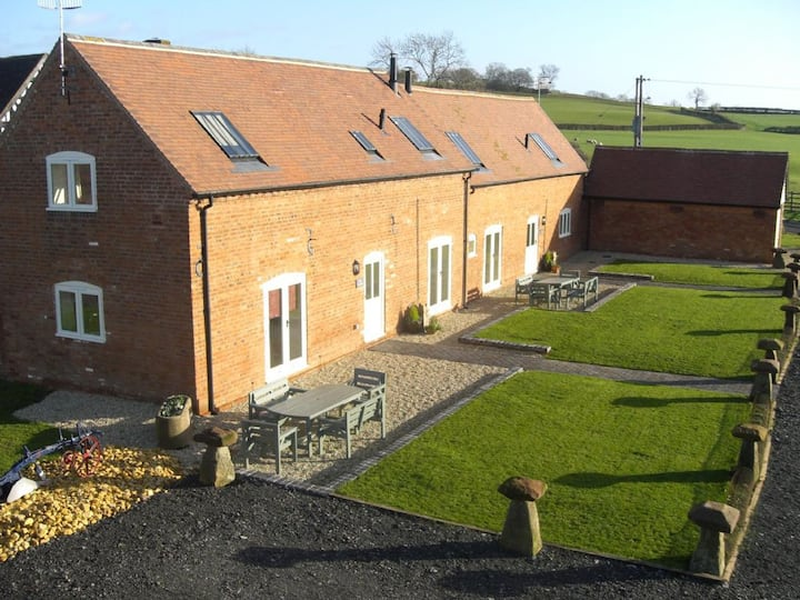 The Owletts Cottage on Traditional Working Farm