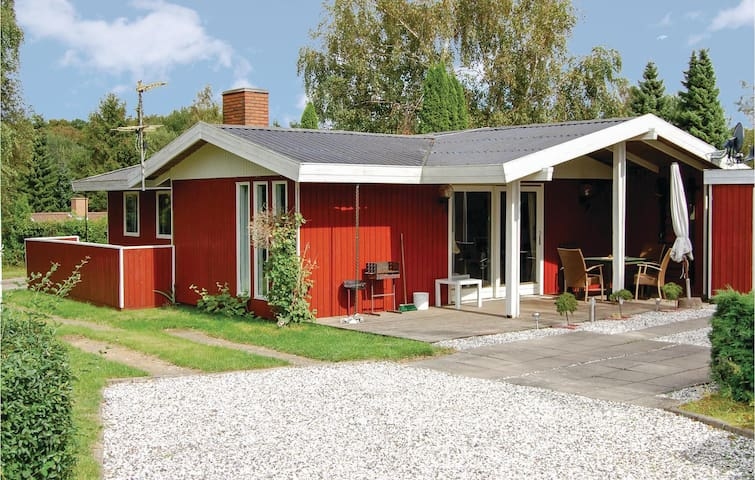 Holiday cottage with 3 bedrooms on 93 m² in Egernsund