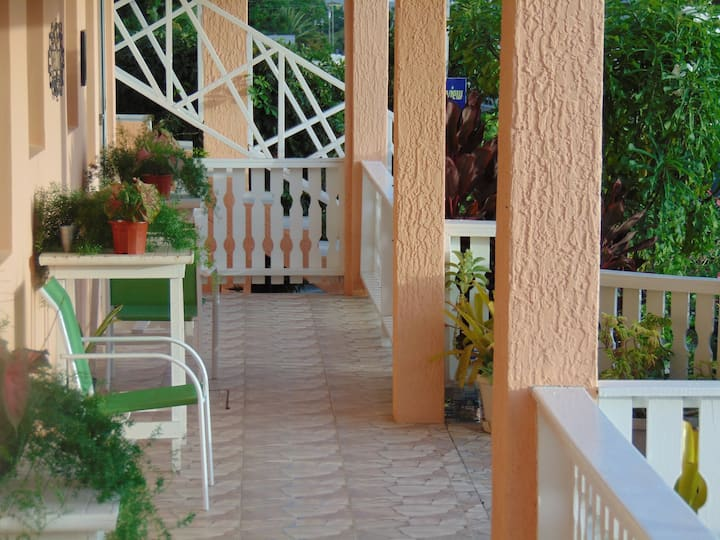 Antigua Seaview - Flamboyant 2