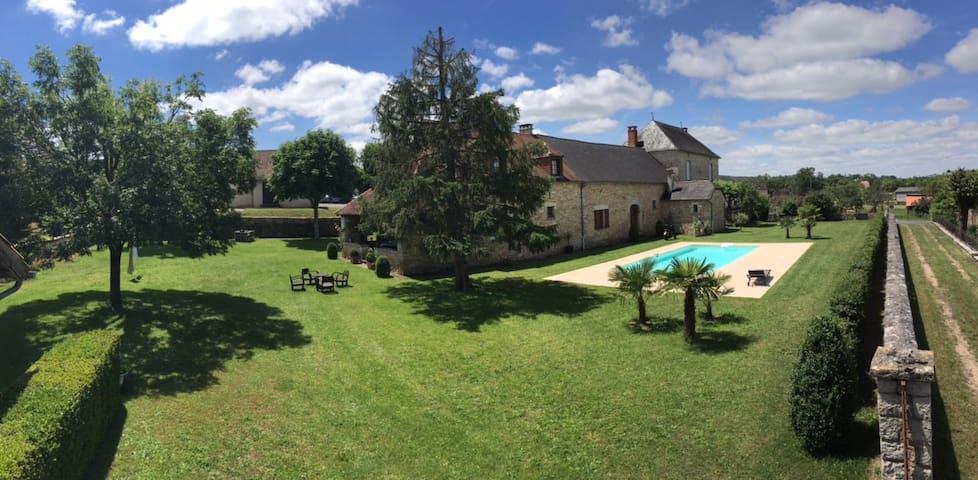 HAVRE DE PAIX avec piscine - Salignac-Eyvigues - Ev