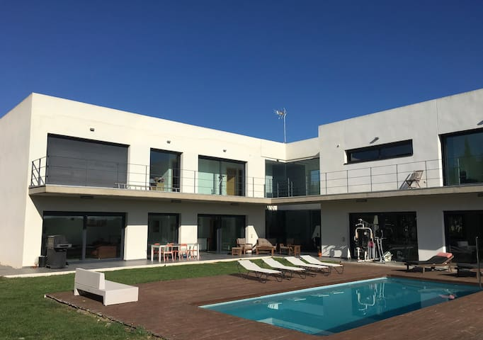 Beautiful modern house just outside Betera