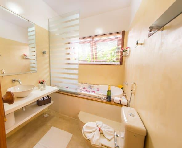 Residence PE NA AREIA-FRENTE AO MAR-apto c/idromas