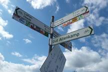 Radfahrerrouten entlang der Ems, Aschendorf.  Der Raum für Bilder, ideal für Radtouristen.