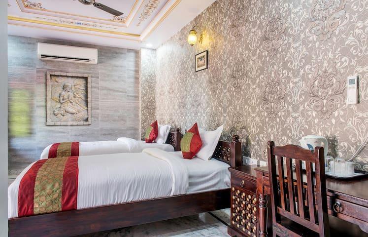 Comfortable Meditation Suite near Vaishali Nagar - Jaipur - Villa