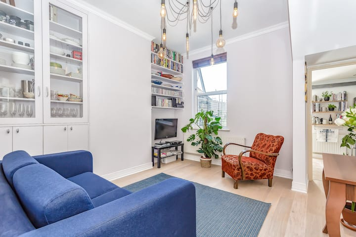 Stylish newly decorated one bedroom flat.