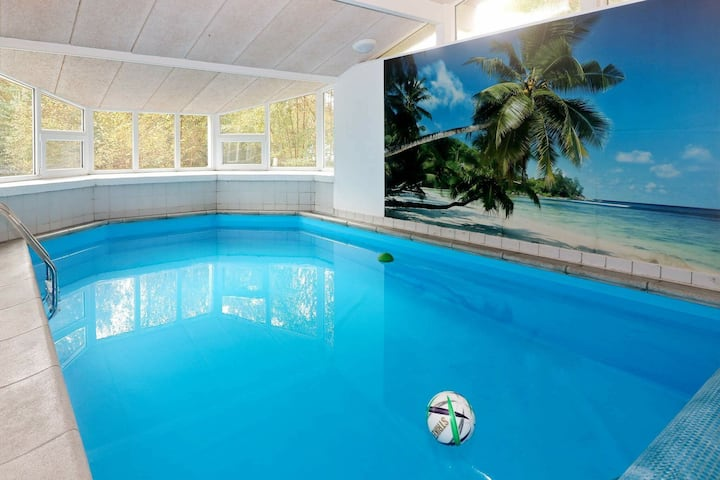 Exotic Holiday Home in Hadsund with Whirlpool