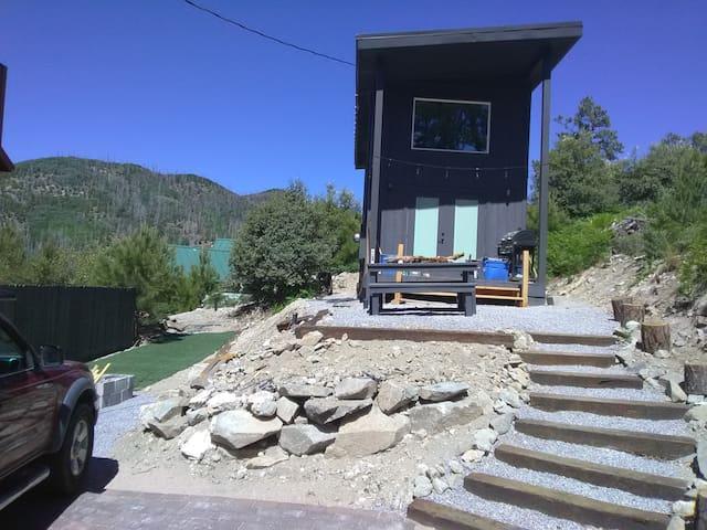 Fun little cabin in Summer Haven Mt lemon.
