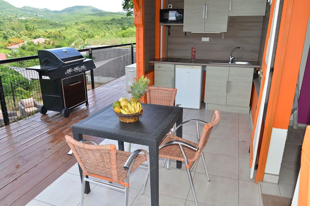 Ty kaz kreol bungalow la mauny bungalows for rent in le for Bungalow avec piscine martinique