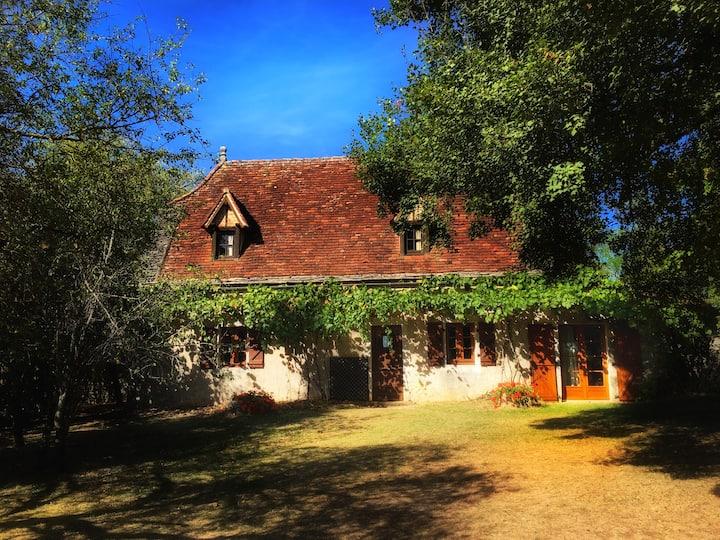 Maison de charme avec piscine au coeur du Quercy