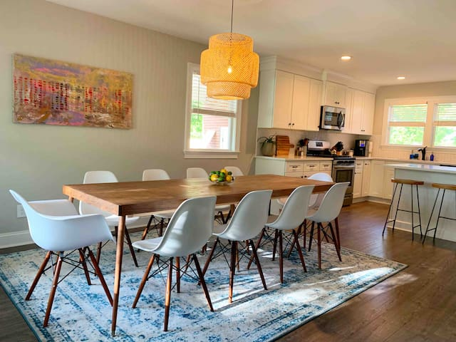 Modern + Spacious Retreat in the ♥ of Park Circle