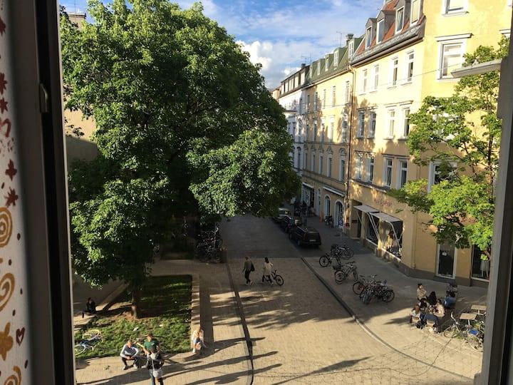 2 rooms in beautiful Schwabing (Münchner Freiheit)