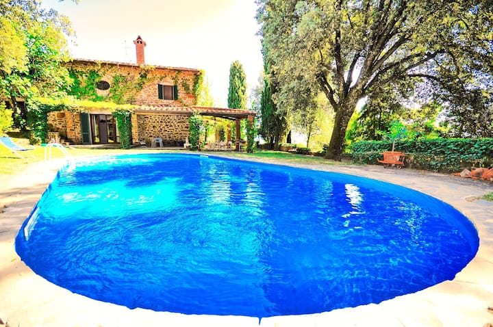 Villa Ulivacci - Holiday Country Villa with private swimming pool in Chianti, Tuscany