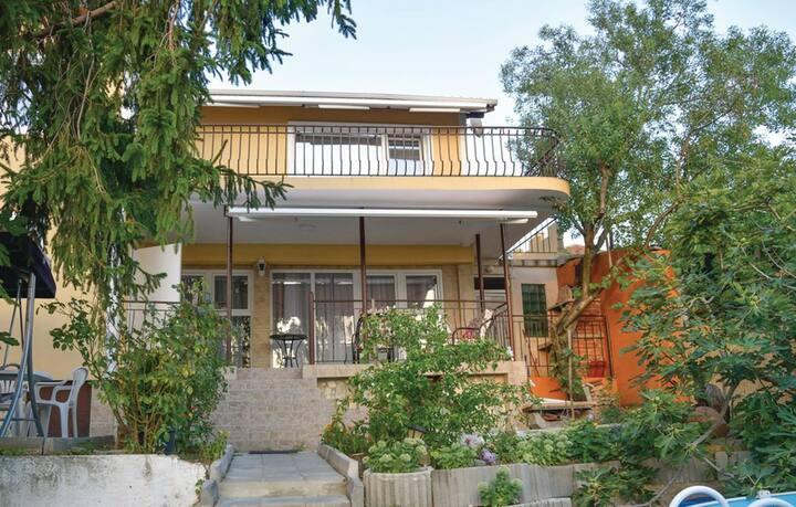Three Bedroom Sea View Villa in Galata