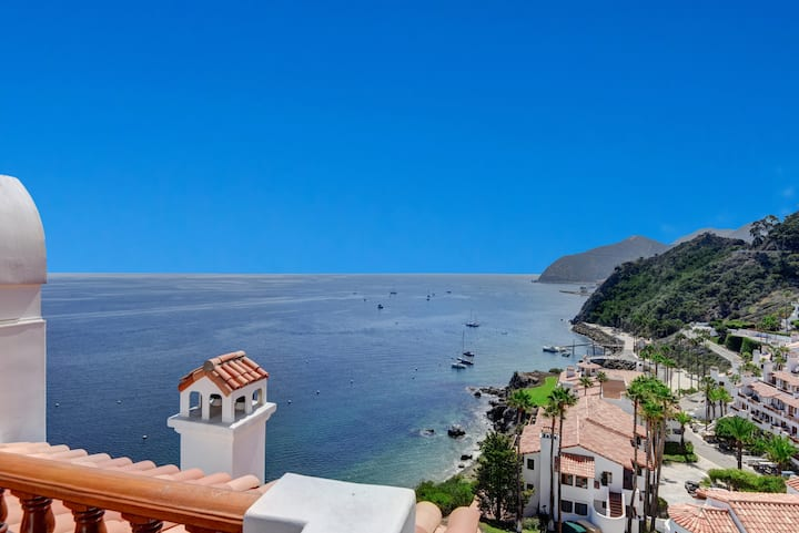 H1868: Spacious 2 Bedroom 2 Bathroom Villa, Wrap Around Balcony with One of a Kind Amazing View