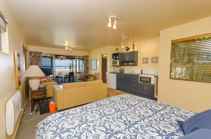 Ahipara Beachfront Studio - Ahipara - Service appartement