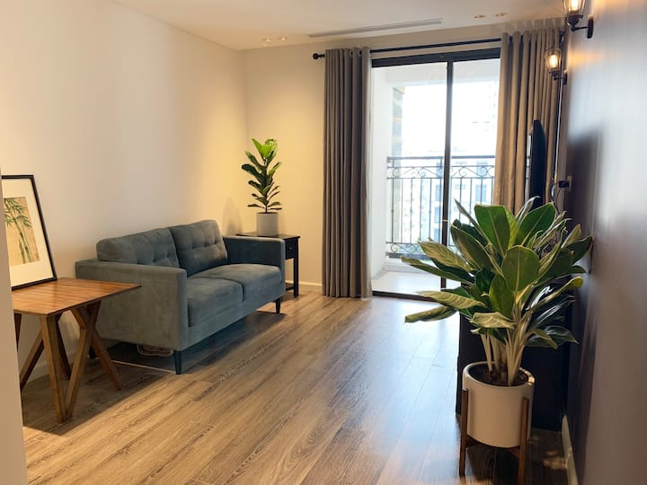 WEST LAKE - A1 CONTEMPORARY LUXURY APT 5* BLD