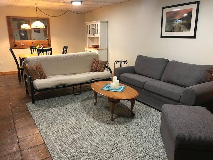 Spacious 1-Bedroom Apartment at Log Heaven