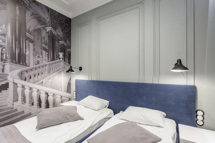 Двухместный номер с 1 или 2 кроватями (№107)