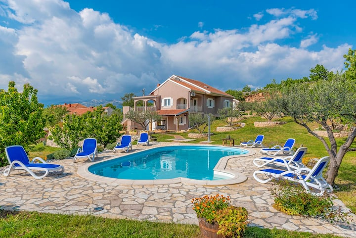 Villa Marija with swimming pool & spectacular view