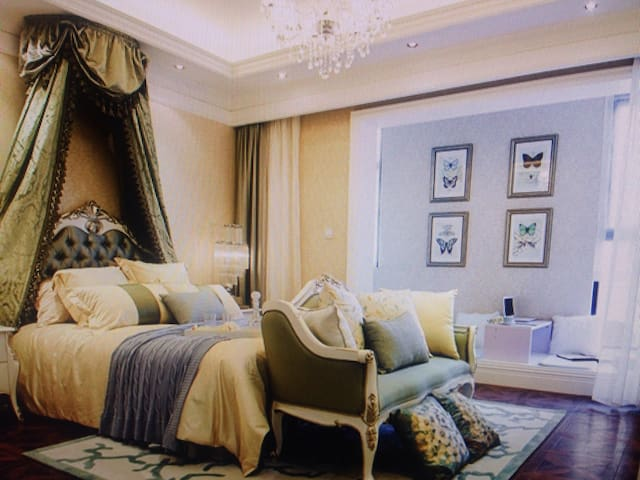 Hardcover large living room suite - 石皮瀨 - House