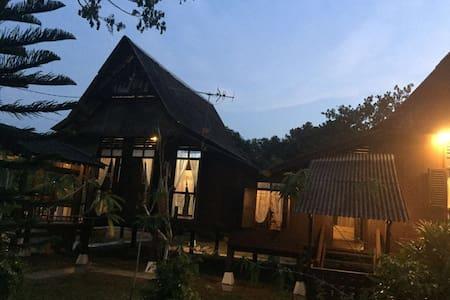 50's Lotus Village (C: high house) - Kuala Sungai Bahru