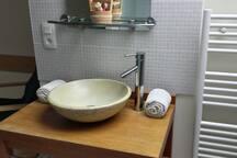 Le linge de toilettes est fournis