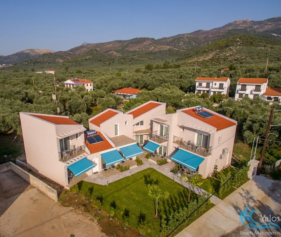 Yalos Beach Maisonette 3 with loft