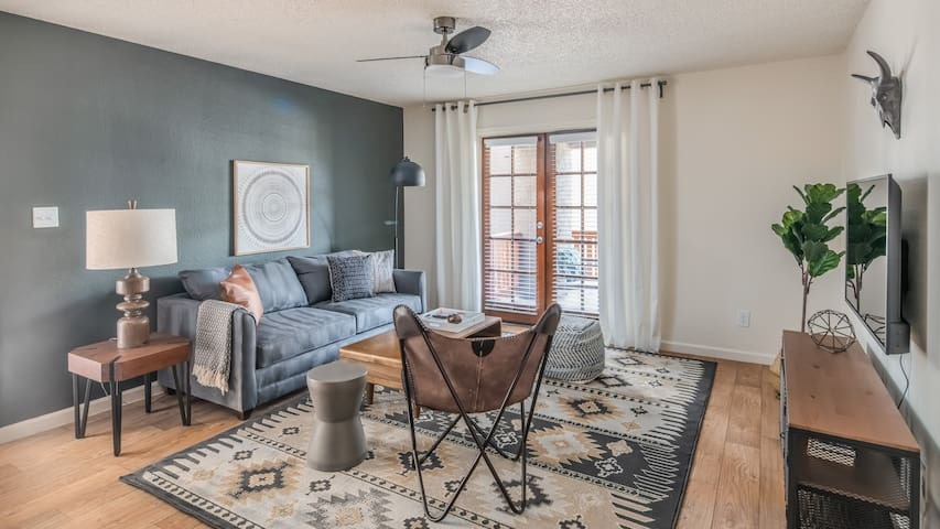 Stylish 2BR with Heated Pool #124 by WanderJaunt
