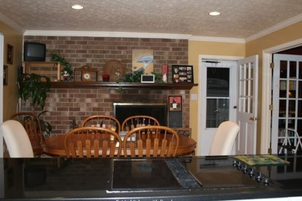 Granite Countertops, Fireplace in Dining Area