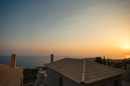 Tseralia Houses 4 - private pool - Stoupa