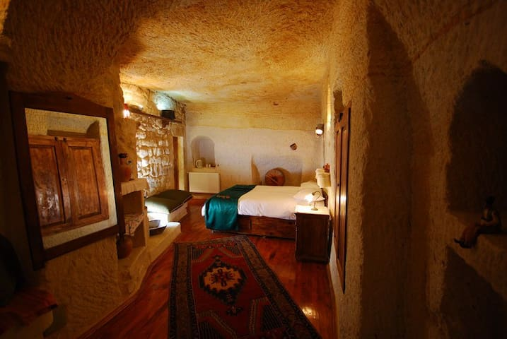 Superior Cave Rooms by Urgup Evi Cave Hotel - Nevşehir - Cave