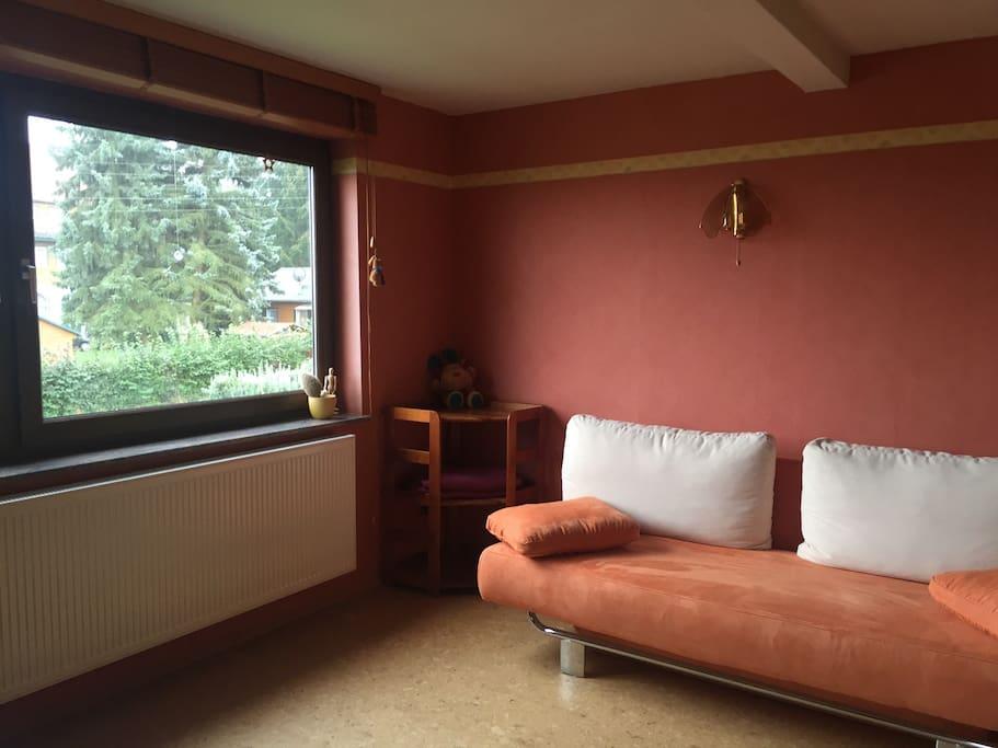 Wohnzimmer, mit Schlafcouch