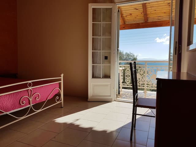4 person apartment with view of the ionian sea