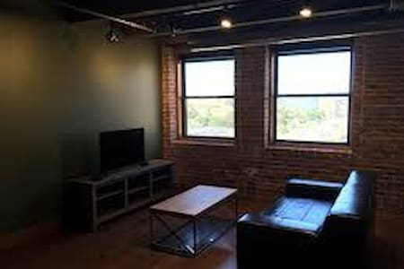 Upscale loft Downtown Sioux City, IA - Sioux City - Loteng Studio