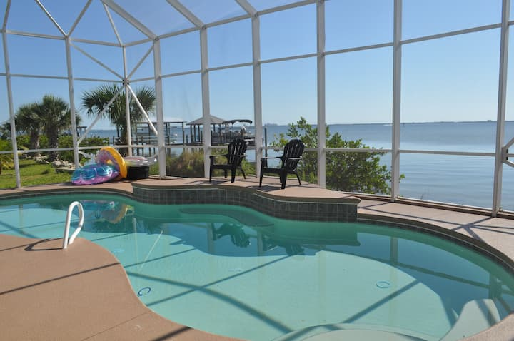 Direct Riverfront Private Pool Home