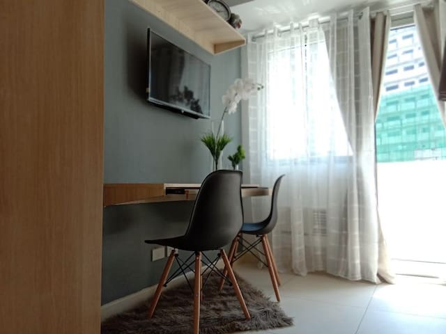 Fully furnished clean condo with stylish bunkbeds